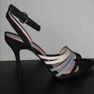 CUTE STRAPPY ZARA HEELED SANDAL SIZE 10
